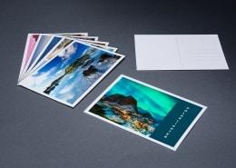 4-farbiges Postkarten Set